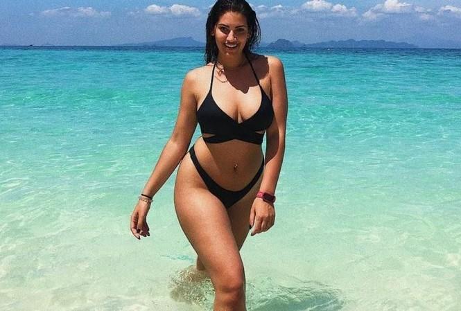 'Bỏng mắt' ngắm người mẫu ngoại cỡ Lorena Duran