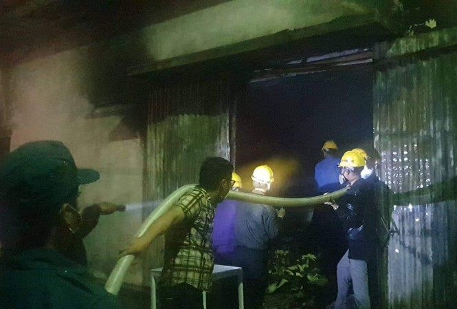 Cháy tại công ty đế giày, hơn 1.000 m2 nhà xưởng bị thiêu rụi