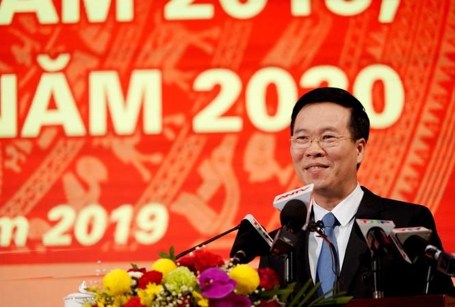 Trưởng Ban tuyên giáo Trung ương Võ Văn Thưởng đánh giá môi trường internet, mạng xã hội năm 2019 đã sạch hơn. Ảnh: Hoàng Dương