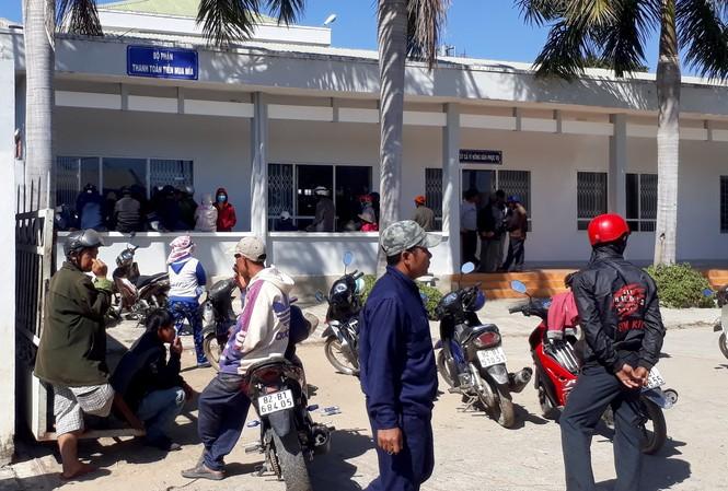 Hàng trăm người dân đến Công ty Cổ phần đường Kon Tum đòi tiền
