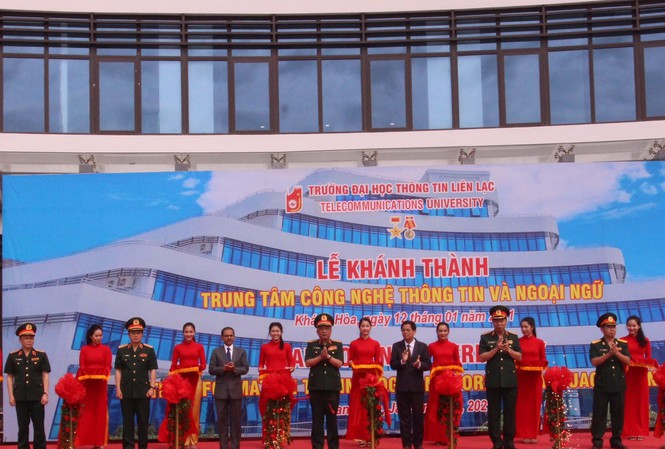 Bộ Quốc phòng khánh thành Trung tâm Công nghệ thông tin - Ngoại ngữ tại Nha Trang