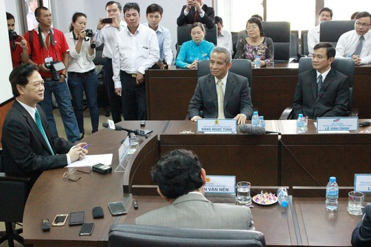Thủ tướng Nguyễn Tấn Dũng làm việc tại Trường ĐH Tôn Đức Thắng sáng 8/2. Ảnh: Người Lao Động.