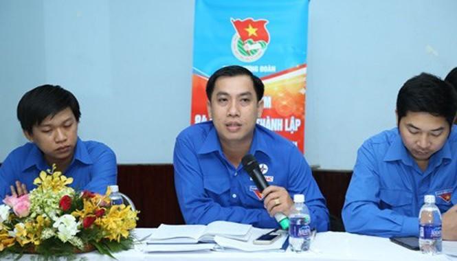 Các đại biểu tham gia góp ý tại buổi tọa đàm.