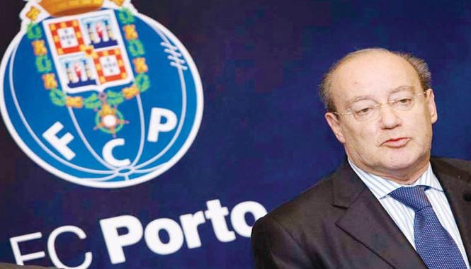 Chủ tịch Jorge da Costa của Porto gửi tâm thư kêu gọi ủng hộ người tị nạn.