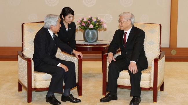 Tại Hoàng cung ở thủ đô Tokyo, Tổng Bí thư Nguyễn Phú Trọng hội kiến Nhật hoàng Akihito. Ảnh: Trí Dũng/TTXVN.