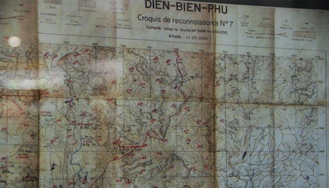 Một phần tấm bản đồ đồng chí Trần Phận đoạt được ở sân bay Mường Thanh tháng 12/1954.