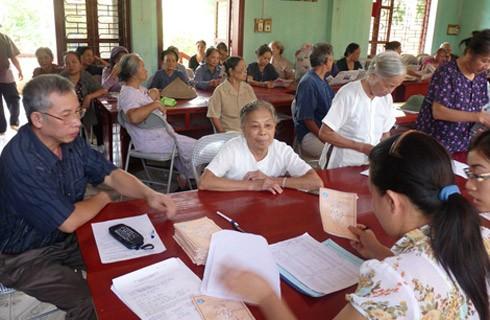 Bộ LĐ,TB&XH đang tính toán đưa đề xuất tăng tuổi nghỉ hưu. (Ảnh mang tính minh họa, nguồn Internet)