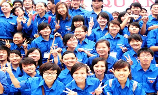 Chiếc áo xanh thanh niên tình nguyện đã trở thành hình ảnh tiêu biểu của thanh niên Việt Nam.