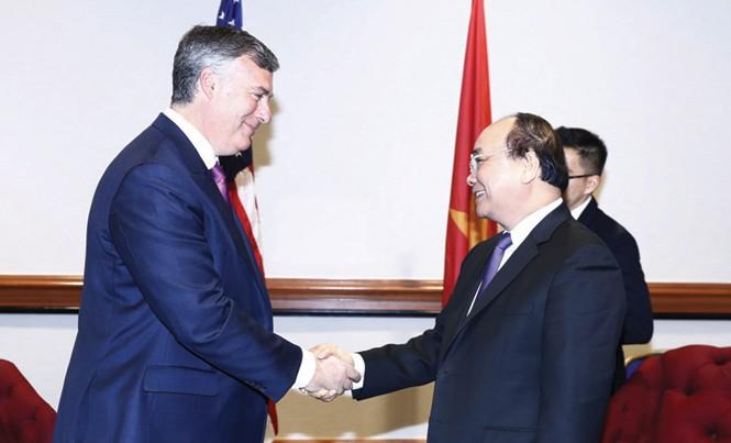 Ngày 31/5, tại thủ đô Washington D.C, Thủ tướng Nguyễn Xuân Phúc tiếp ông Kevin McAllister - Phó Chủ tịch Tập đoàn Boeing. Ảnh: TTXVN.