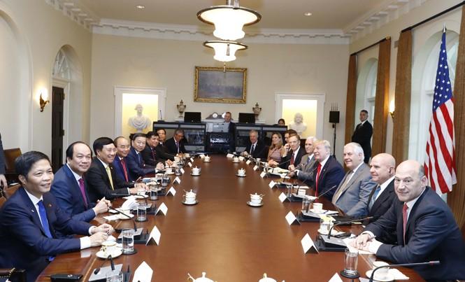 Chiều 31/5 tại Nhà Trắng, Tổng thống Mỹ Donald Trump đón và hội đàm với Thủ tướng Nguyễn Xuân Phúc. Ảnh: TTXVN.