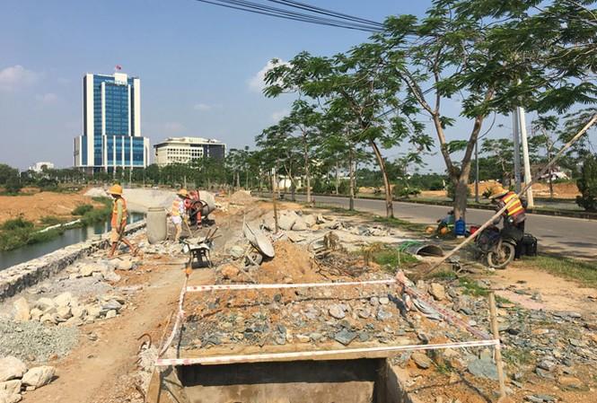 Một góc Khu CNC Hòa Lạc đang tiếp tục hoàn thiện hạ tầng. Ảnh: Trường Phong.