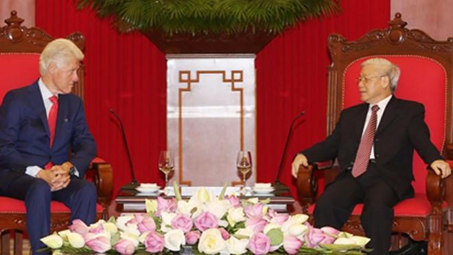 Chiều 2/7, tại trụ sở Trung ương Đảng, Tổng Bí thư Nguyễn Phú Trọng tiếp cựu Tổng thống Mỹ Bill Clinton đang thăm và làm việc tại Việt Nam. Ảnh: Trí Dũng
