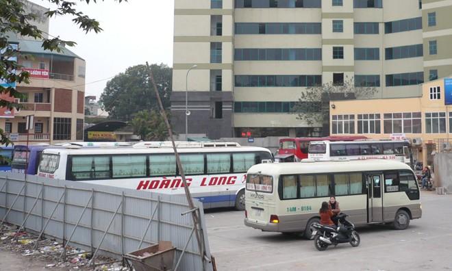 Hơn 330 lượt xe khách chạy các tỉnh sẽ phải di chuyển khỏi bến Lương Yên trước ngày 26/7. Ảnh: T.Đảng