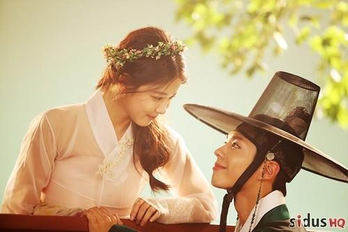 """""""Mây họa ánh trăng"""" là một trong những bộ phim truyền hình Hàn Quốc thu hút nhất ở thời điểm hiện tại."""