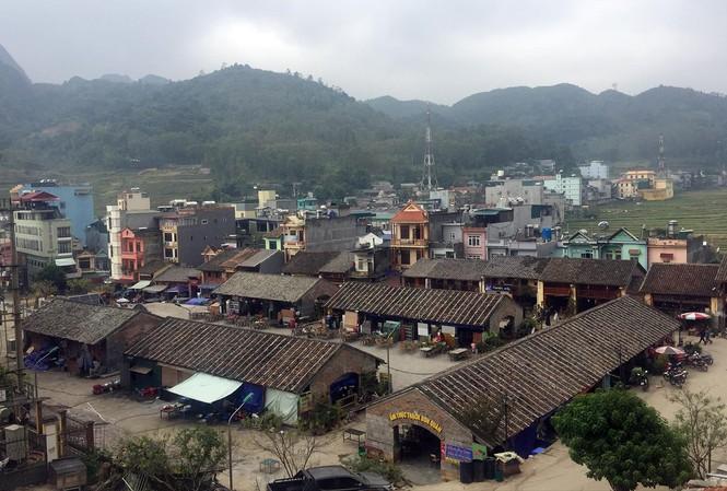 Toàn cảnh thị trấn Đồng Văn. Ảnh: Nguyễn Hoàn