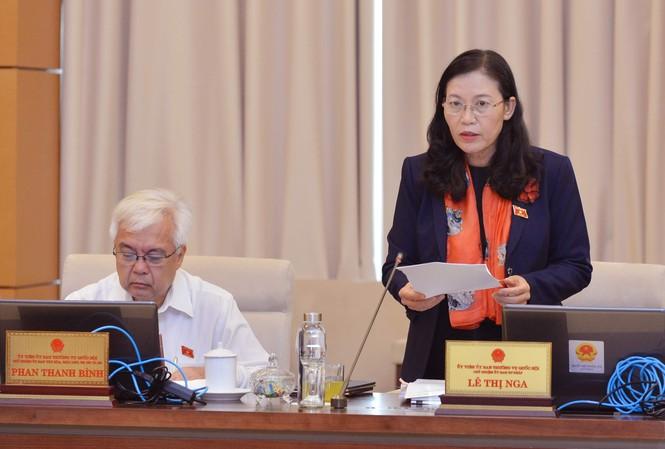 Chủ nhiệm Ủy ban Tư pháp Lê Thị Nga phát biểu ảnh: minh châu
