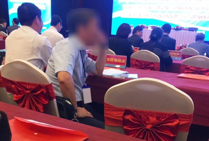 """Túi """"thuốc gia truyền Ama Kông Khăm Phết Lào"""" tặng quan khách dự hội nghị"""