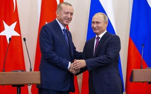 Tổng thống Nga Vladimir Putin và Tổng thống Thổ Nhĩ Kỳ Recep Tayyip Erdogan đồng ý thiết lập một khu phi quân sự tại tỉnh Idlib, Syria bắt đầu từ 15/10 (Ảnh: EPA)