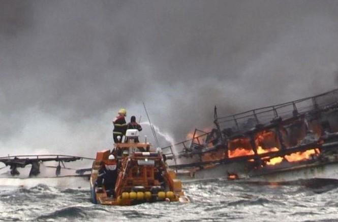 Vụ cháy tàu khiến 6 thuyền viên Việt mất tích ở Hàn Quốc