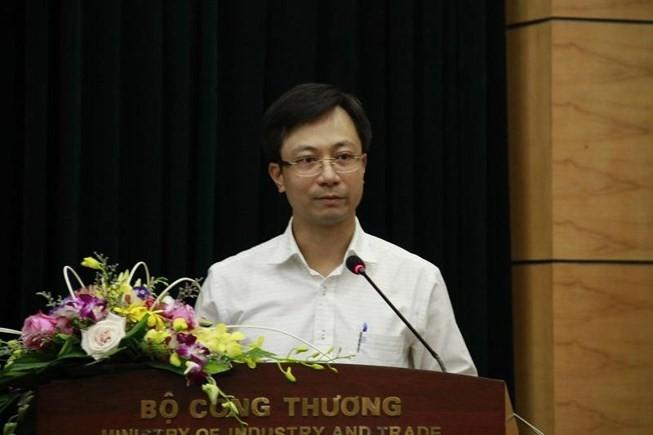 Ông Trần Duy Đông, Vụ trưởng Vụ thị trường trong nước bị phê bình vì để cán bộ đi công tác ở nước ngoài quá thời gian quy định