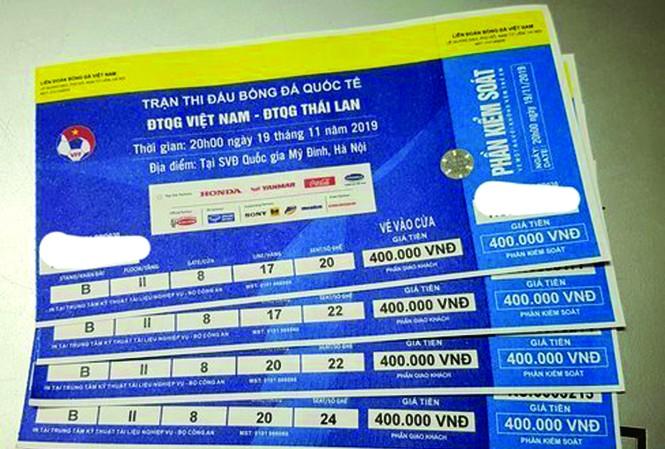 Vé xem trận Việt Nam-Thái Lan được rao bán trên các trang mạng