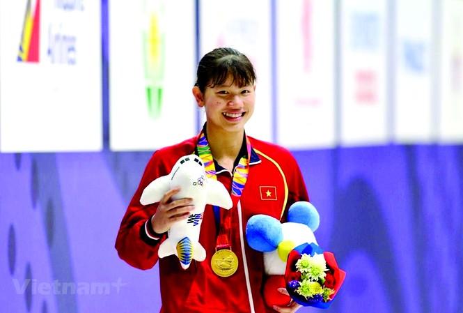 VĐV bơi Ánh Viên nhận Huy chương vàng