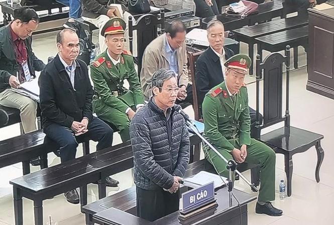 Bị cáo Nguyễn Bắc Son trả lời Hội đồng xét xử ngày 18/12