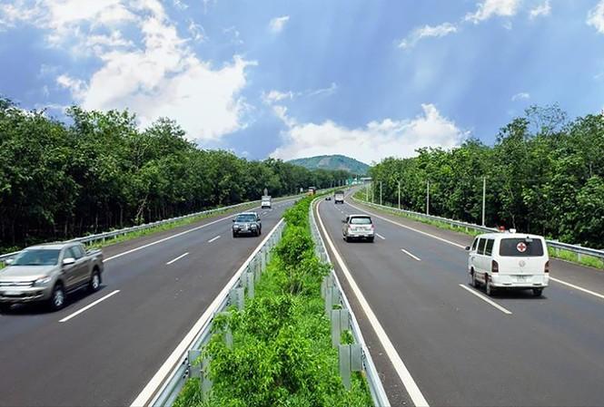 Một đoạn cao tốc Bắc - Nam đã hoàn thành. Ảnh: Hữu Việt