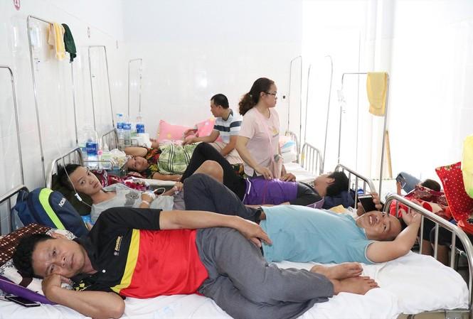 Bệnh nhân sốt xuất huyết cấp cứu ở bệnh viện