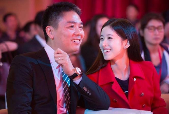 Lưu Cường Đông và cô vợ Chương Trạch Thiên