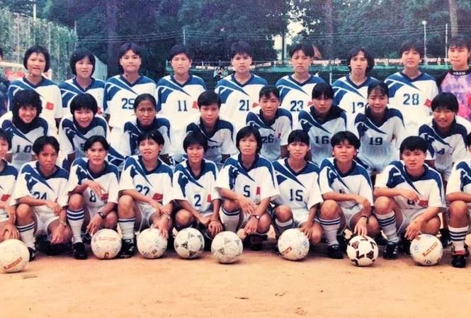 Đội tuyển nữ Việt Nam đầu tiên tham dự SEA Games 1997. Ảnh Tư liệu