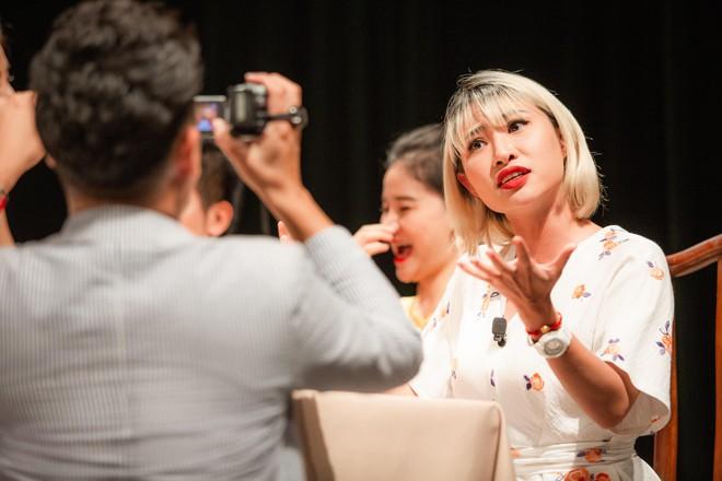 """Hoàng Trang nhận một vai nhỏ trong vở """"Nàng Kiều"""" (đạo diễn Amélie Niermeyer) do cô viết kịch bản"""