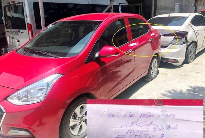 Một số xe vi phạm có bút tích niêm phong của đại diện Phòng CSGT Hà Nội tại bãi xe Hà Cầu