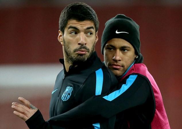 Neymar muốn tái hợp với Suarez ở PSG.