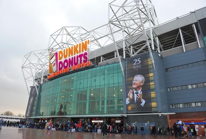 Huyền thoại khuyên M.U bán tên Old Trafford vì lý do cực hay