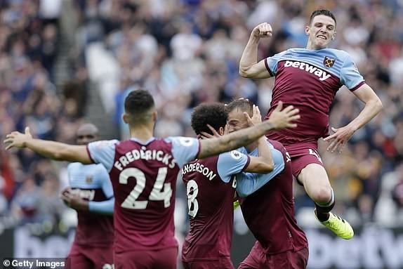 Kết quả Ngoại hạng Anh: Hàng công bạc nhược, M.U thua sốc West Ham