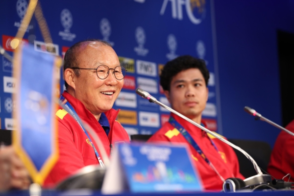 Báo Hàn: 'HLV Park xứng đáng có hợp đồng lịch sử bóng đá Việt Nam'