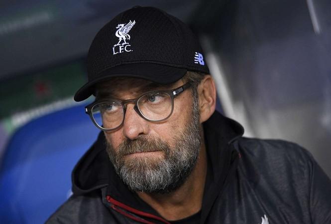 Hy hữu Liverpool 'phân thân' đấu cùng lúc 2 cup