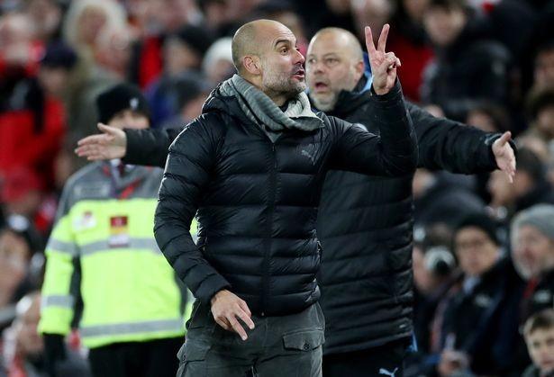 Pep Guardiola nổi giận với trọng tài trong trận thua Liverpool.