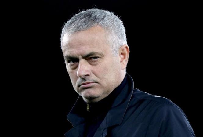 Jose Mourinho chính thức về Tottenham.