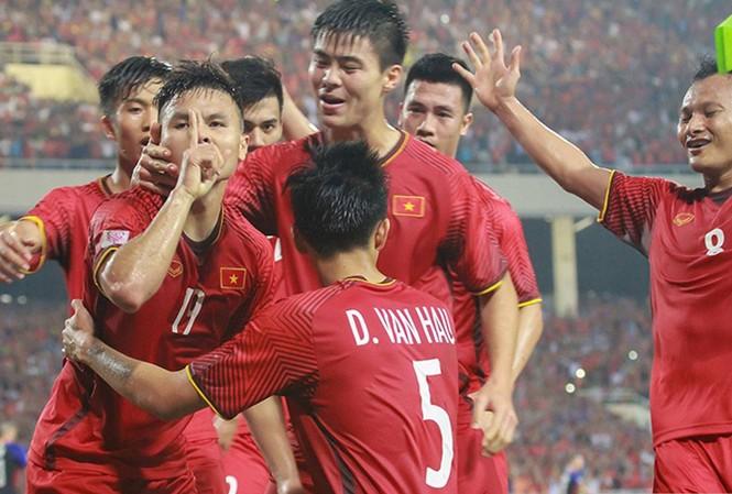 Tuyển Việt Nam thăng hạng FIFA, bỏ xa tuyển Thái Lan