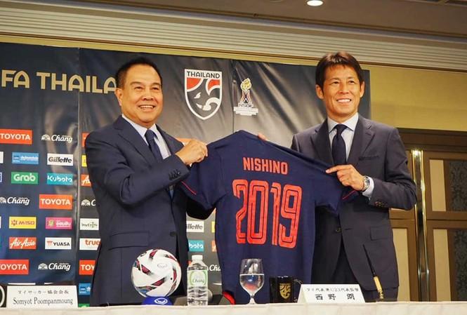 Bóng đá Thái Lan chưa khởi sắc dù chiêu mộ HLV đẳng cấp như Akira Nishino.