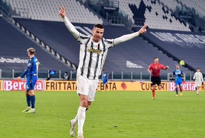 Ronaldo đã cán mốc 758 bàn thắng trong sự nghiệp