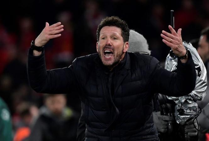 Thua sốc đội hạng 3 , HLV Atletico tính chuyện chia tay?