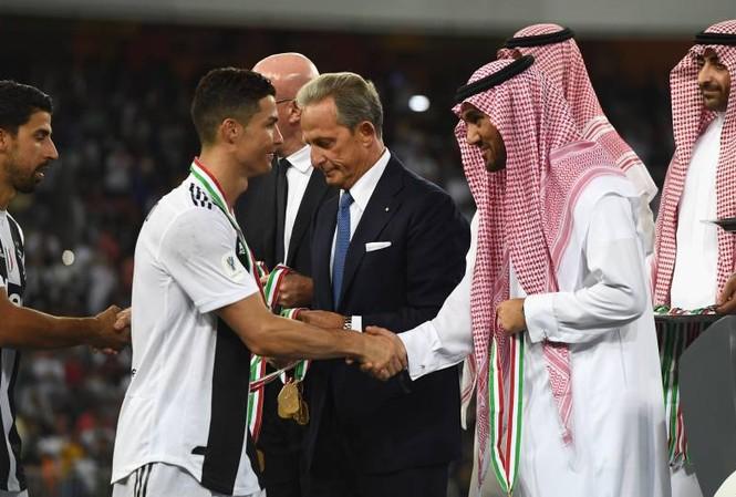 Ronaldo từ chối hợp đồng cực khủng từ Ả Rập Xê Út