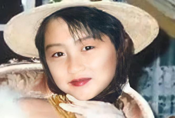 Ảnh 'xinh gái' từ bé của tài tử Tạ Đình Phong khiến fan 'mắt tròn mắt dẹt'