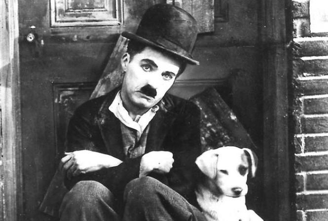 "Charlie Chapline trong phim ""A dog's life"". Ảnh: Movies"
