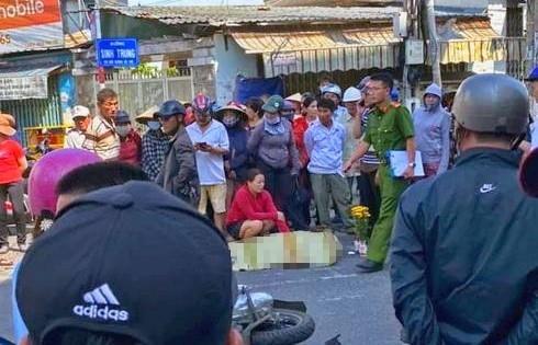 Vụ tai nạn làm bà Nguyễn Thị Xuân tử vong tại chỗ. Ảnh: P.L.