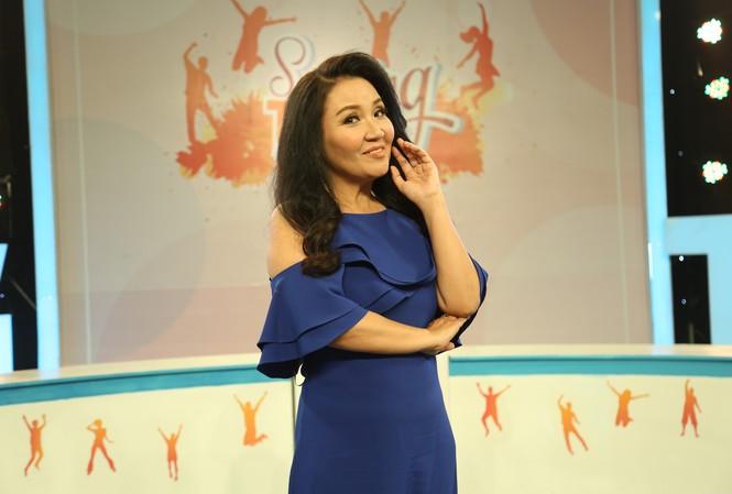 Diễn viên Ngân Quỳnh nói gì khi bị so sánh với các chị em nghệ sĩ trong gia đình