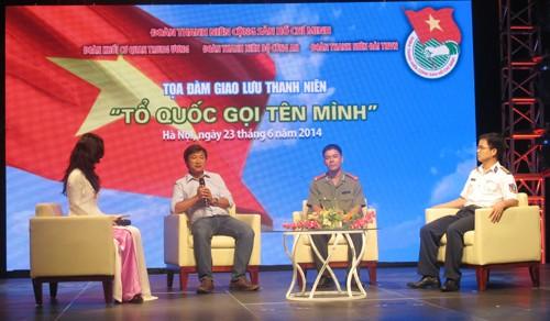 Các đại biểu tại chương trình giao lưu Tổ quốc gọi tên mình
